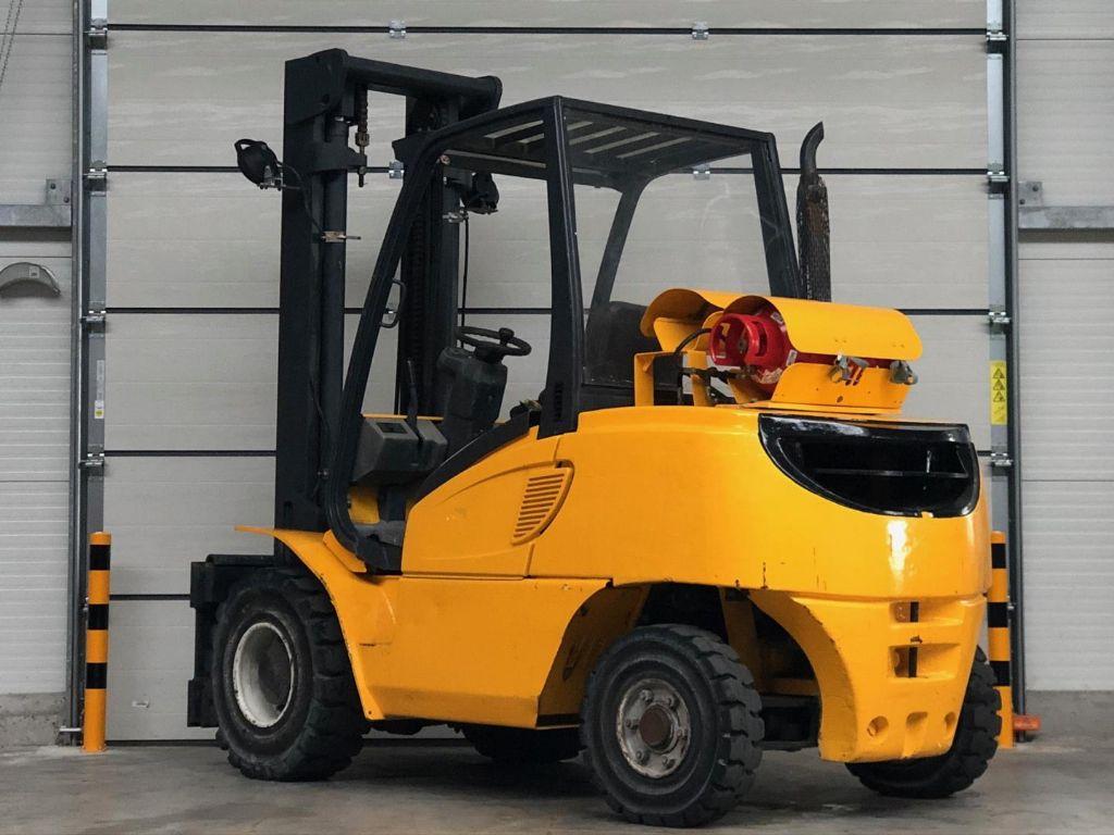 Jungheinrich-TFG 50 CK-Treibgasstapler www.lifthandling.com