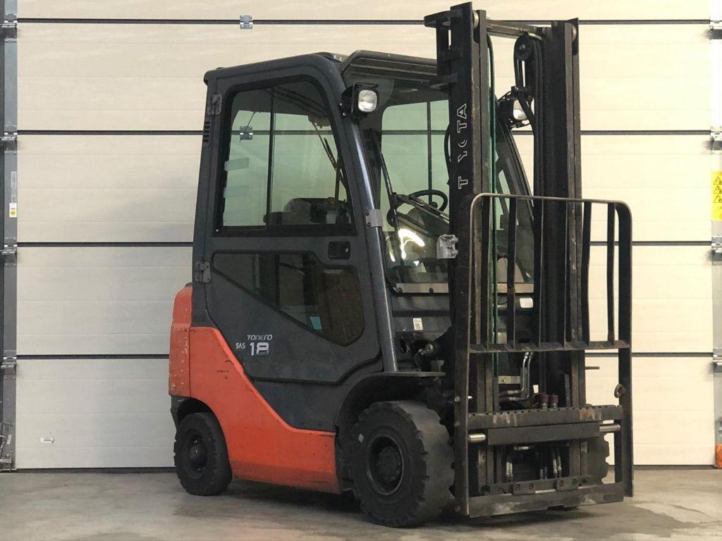 Toyota-02-8FDF18-Diesel Forklift www.lifthandling.com