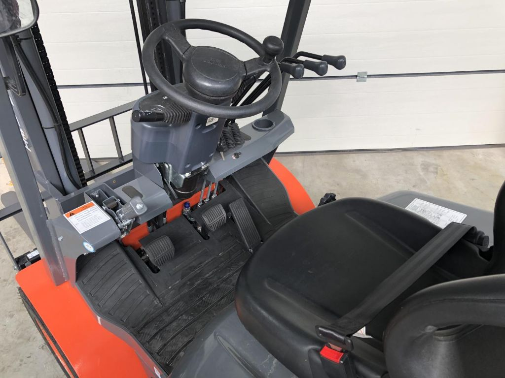 Lonking-LG25GLT - NEU-Treibgasstapler www.lifthandling.com