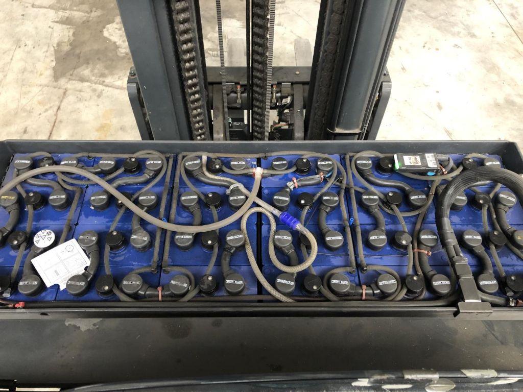 Linde-R16HD-Schubmaststapler www.lifthandling.com