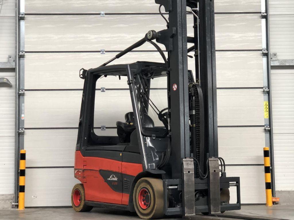 Linde-E25L-01-Elektro 4 Rad-Stapler www.lifthandling.com