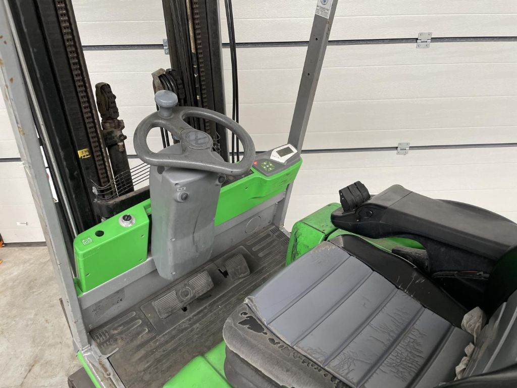Cesab-Blitz320-Elektro 4 Rad-Stapler www.lifthandling.com