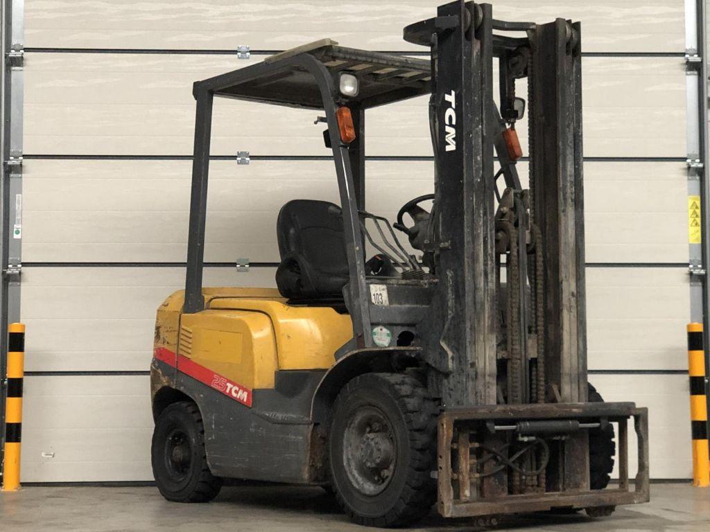 TCM-FD25T3-Dieselstapler www.lifthandling.com