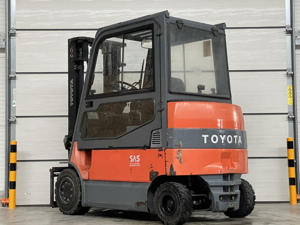 Toyota-7FBMF35- 10562-Elektro 4 Rad-Stapler www.lifthandling.com