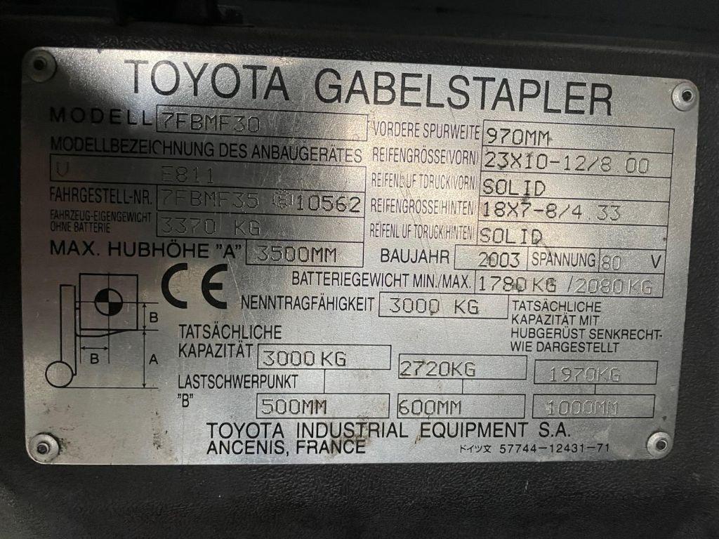 Toyota-7FBMF30-Elektro 4 Rad-Stapler www.lifthandling.com
