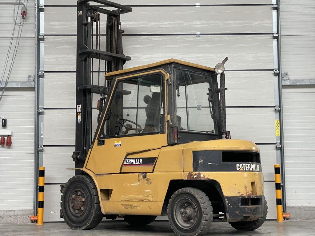 Caterpillar-DP40-Dieselstapler www.lifthandling.com