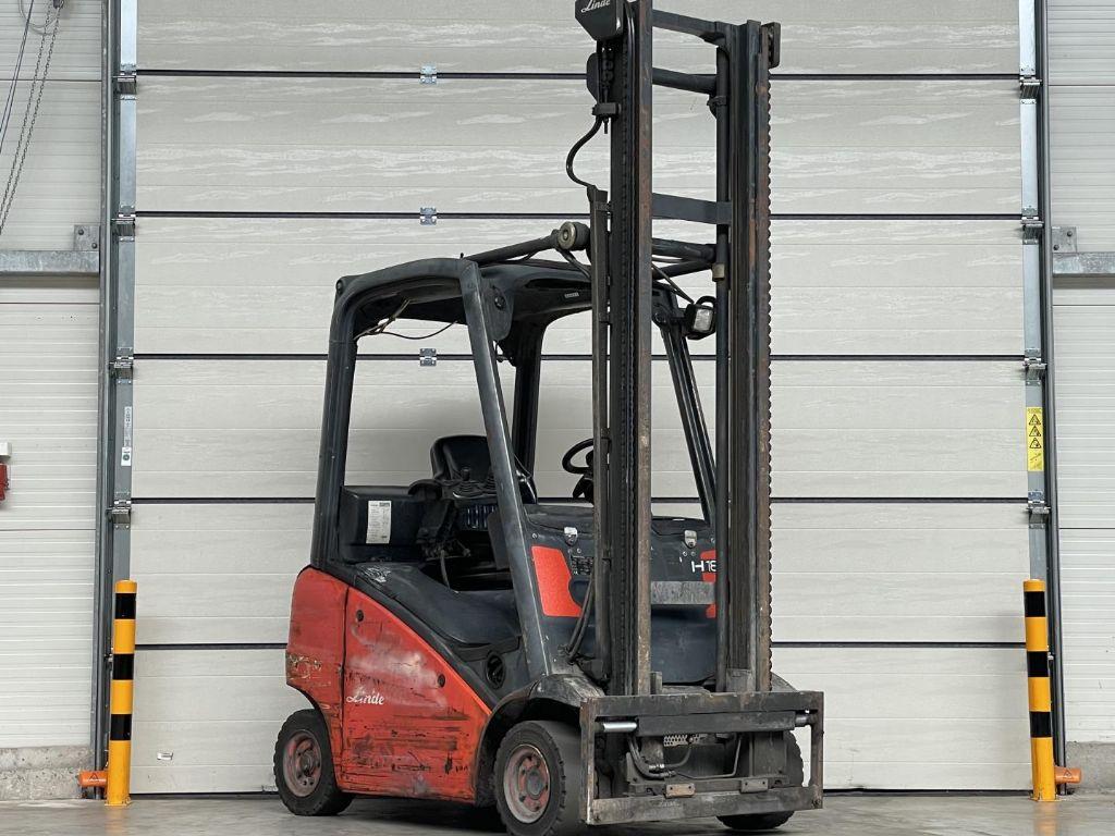 Linde-H18-Dieselstapler www.lifthandling.com