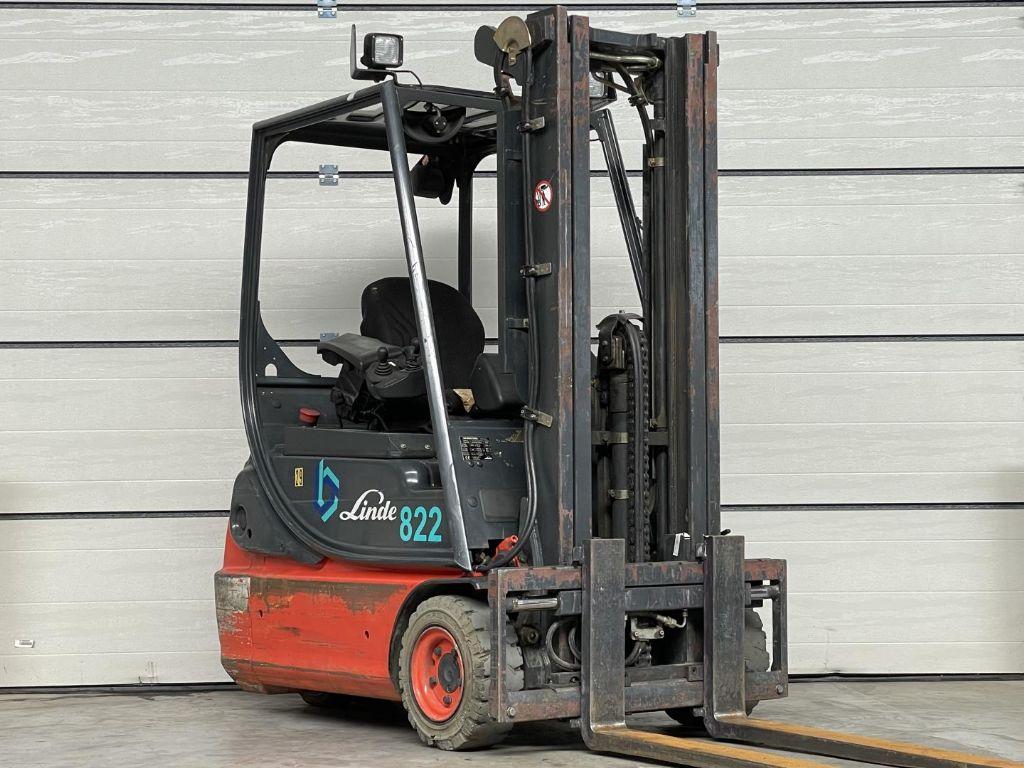 Linde-E16C-02-Elektro 3 Rad-Stapler www.lifthandling.com