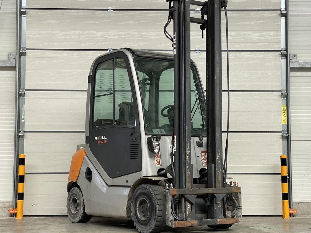 Still-RX70-25-Dieselstapler www.lifthandling.com
