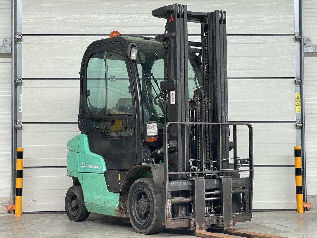 Mitsubishi-FG25N-Treibgasstapler www.lifthandling.com