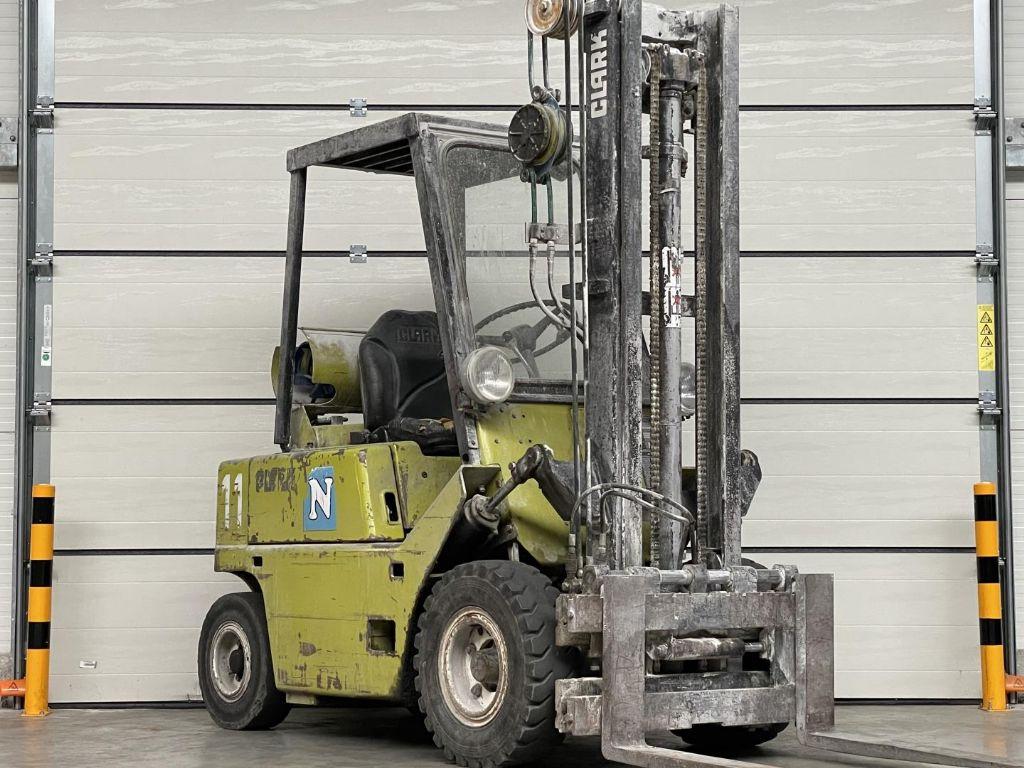 Clark-C500 Y40-Treibgasstapler www.lifthandling.com
