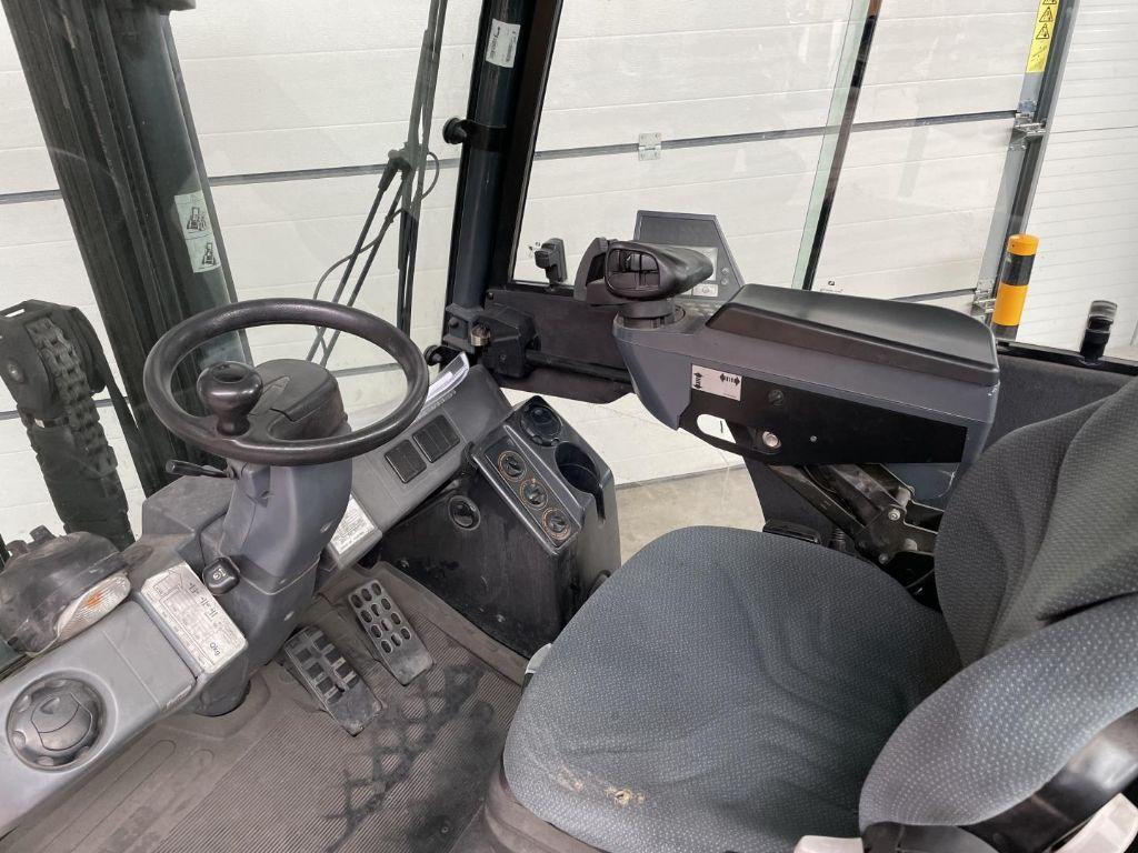 Jungheinrich-TFG425s-Treibgasstapler www.lifthandling.com