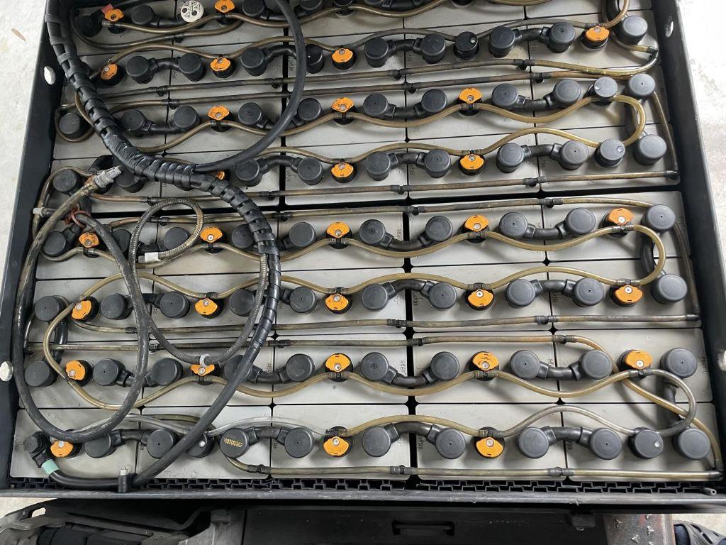 Still-R 60-30 I-Elektro 4 Rad-Stapler www.lifthandling.com