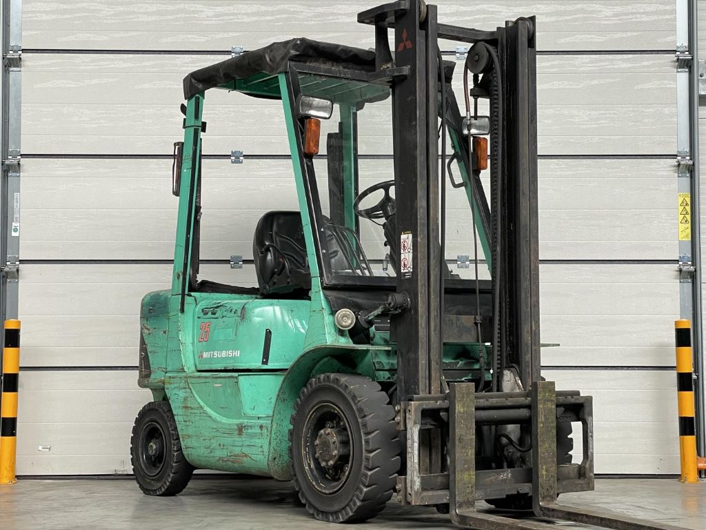 Mitsubishi-FD25K-Dieselstapler www.lifthandling.com