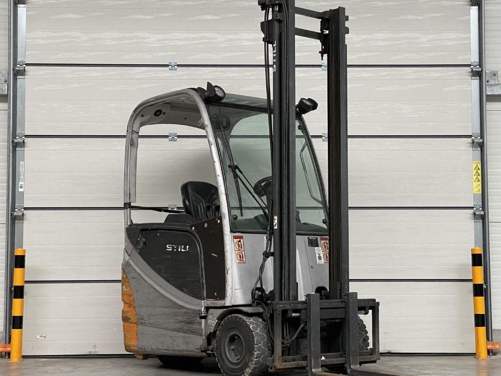Still-RX20-16-Elektro 3 Rad-Stapler www.lifthandling.com