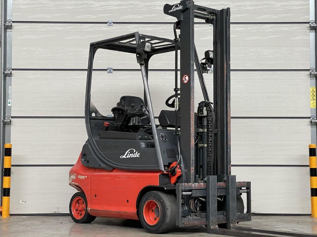 Linde-E20P-02-Elektro 4 Rad-Stapler www.lifthandling.com