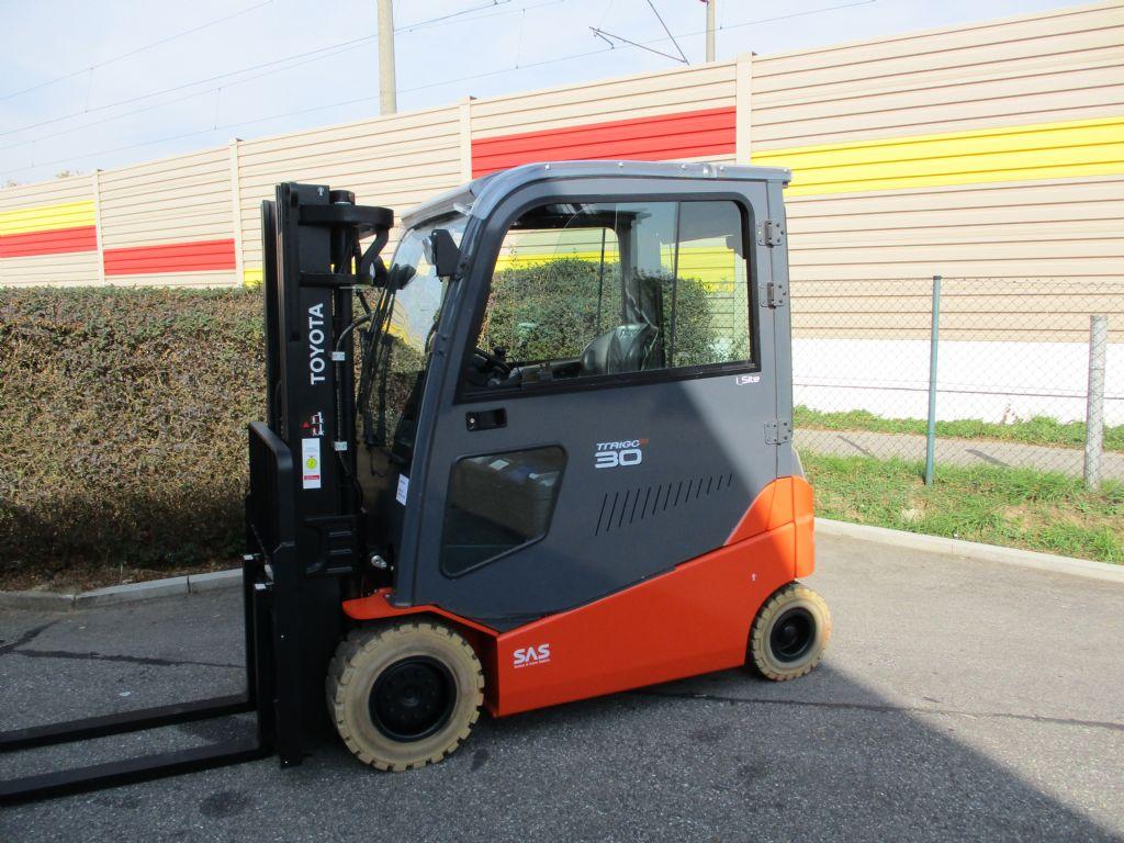 Toyota-8FBMT 30-Elektro 4 Rad-Stapler-www.loeffler-gabelstapler.de