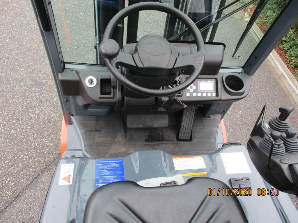 Toyota  Elektro 3 Rad-Stapler loeffler-gabelstapler.de