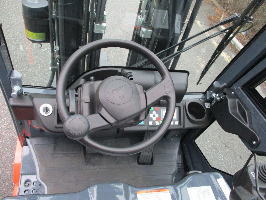 Toyota 8FBE16T  Elektro 3 Rad-Stapler loeffler-gabelstapler.de