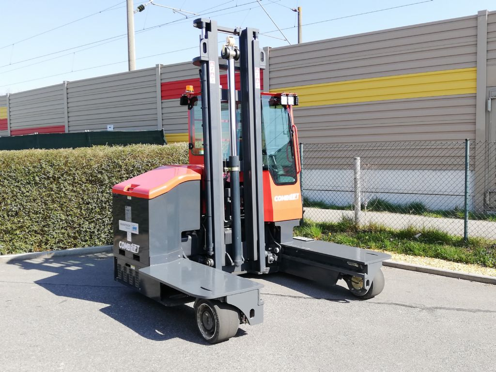 Combilift C 4000 ET Vierwege - Frontstapler  loeffler-gabelstapler.de