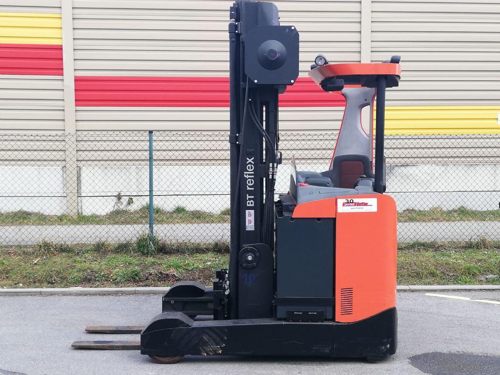 BT RRE 250 Schubmaststapler loeffler-gabelstapler.de