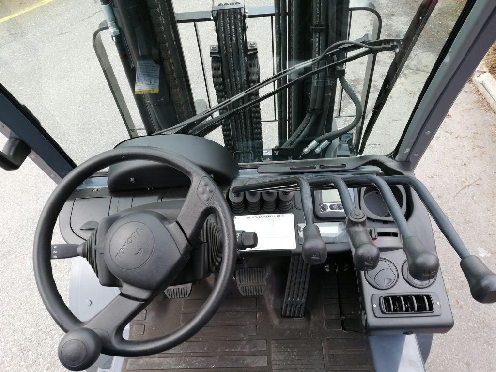 Toyota 02-8FDJF35 Dieselstapler loeffler-gabelstapler.de