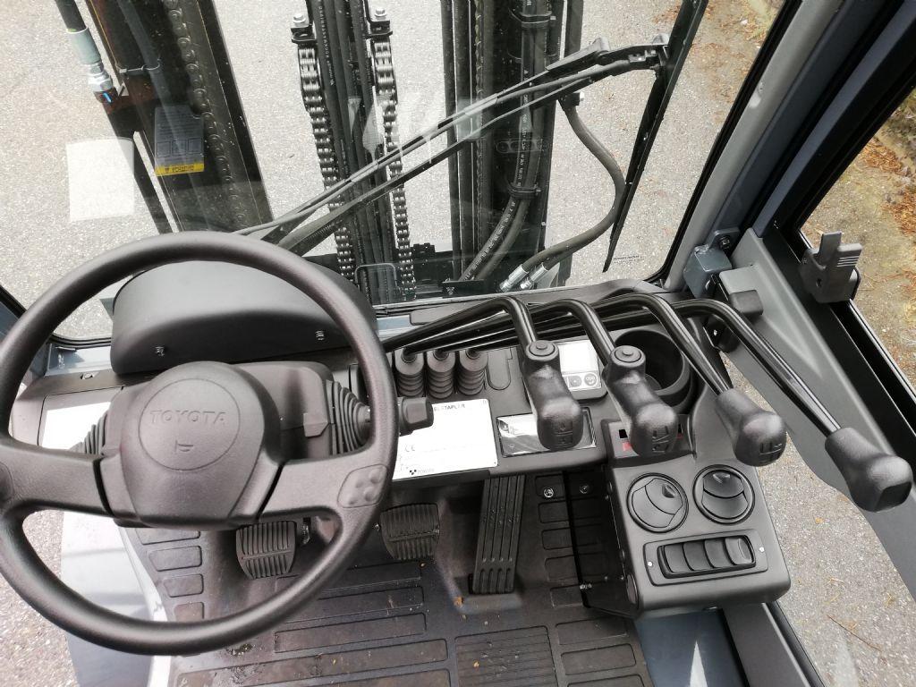 Toyota 02-8FDF25 Dieselstapler loeffler-gabelstapler.de