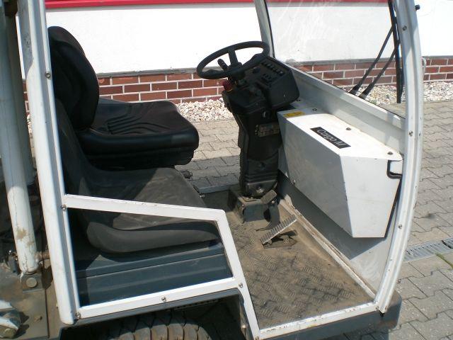 HMB-Cargo M-Elektro Plattformwagen www.l-l-gabelstapler.de