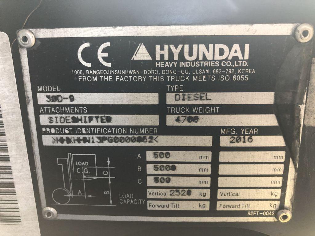 Hyundai-30 D - 9E-Dieselstapler www.l-l-gabelstapler.de