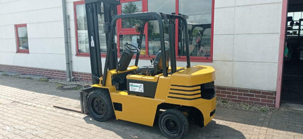 Daewoo-D 30 S - 2-Dieselstapler www.l-l-gabelstapler.de
