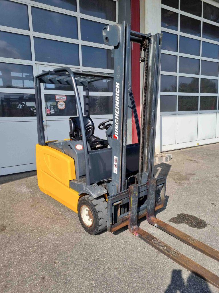 Jungheinrich-EVG DF 20SP-Elektro 3 Rad-Stapler-www.mc-stapler.at