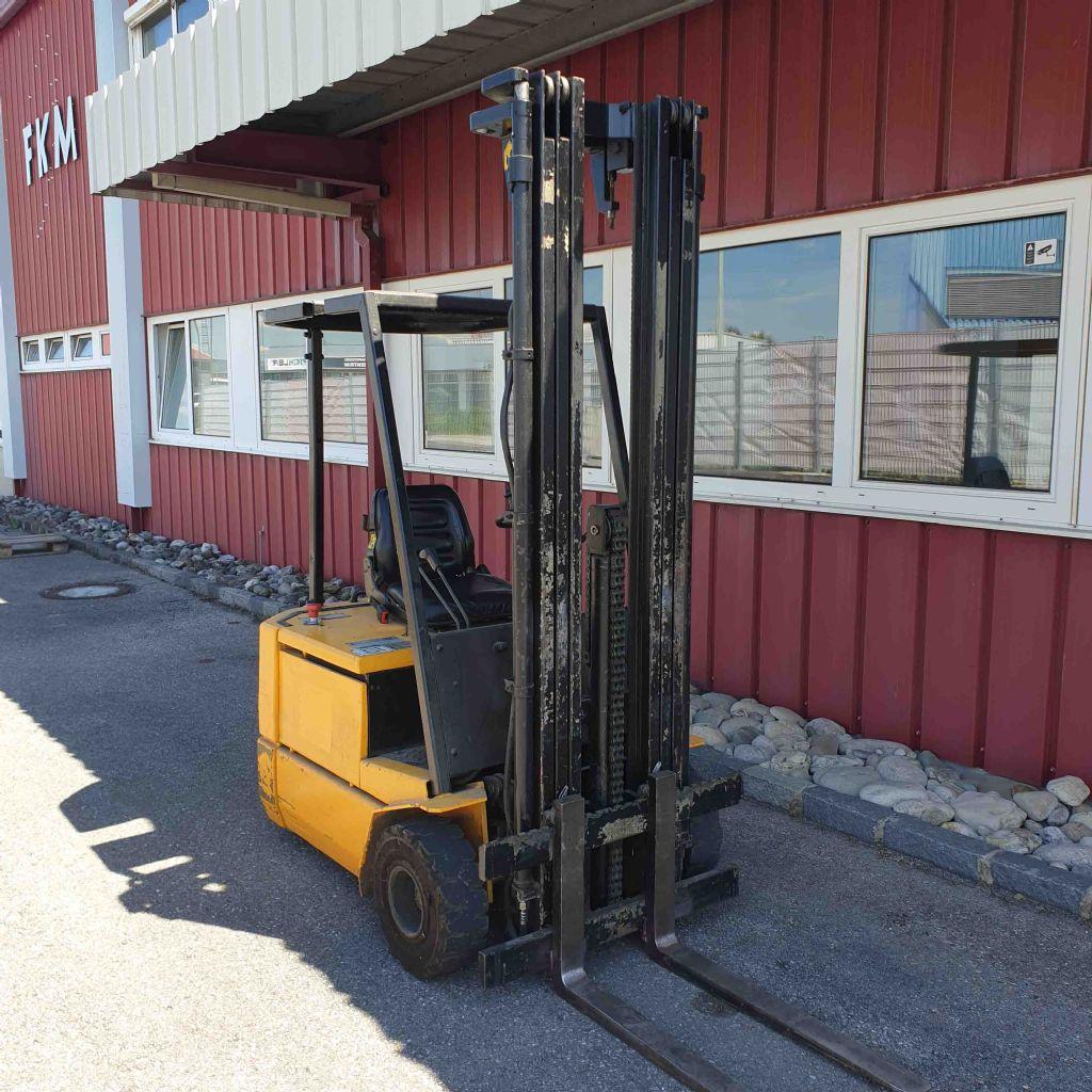 Steinbock Boss-JE13-70-Elektro 3 Rad-Stapler-www.mc-stapler.at