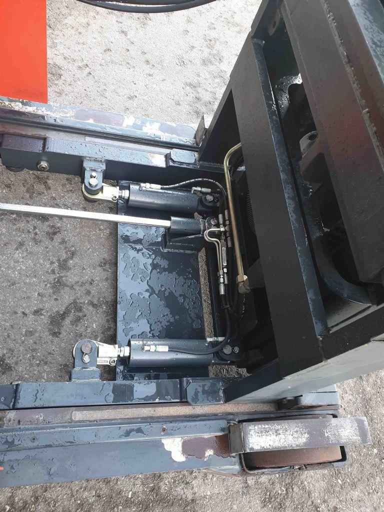 Still-FEM320-Schubmaststapler-www.mc-stapler.at