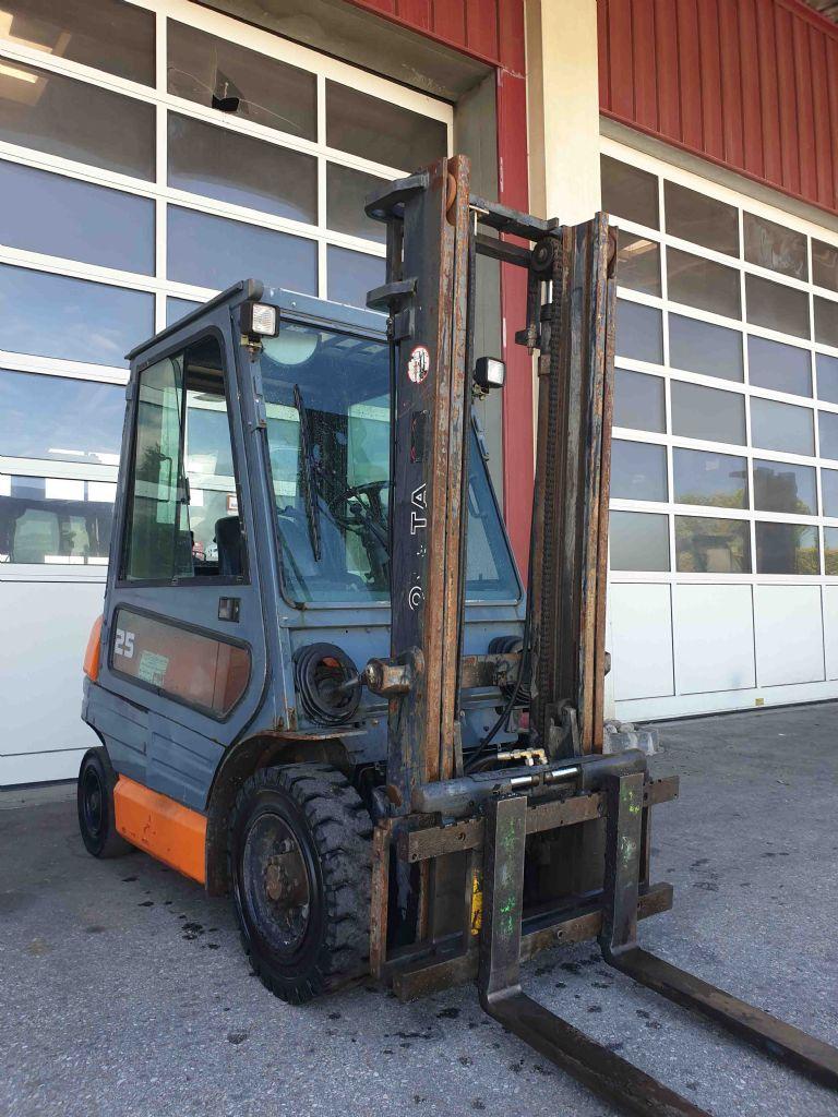Toyota-62-6FDF25-Dieselstapler-www.mc-stapler.at