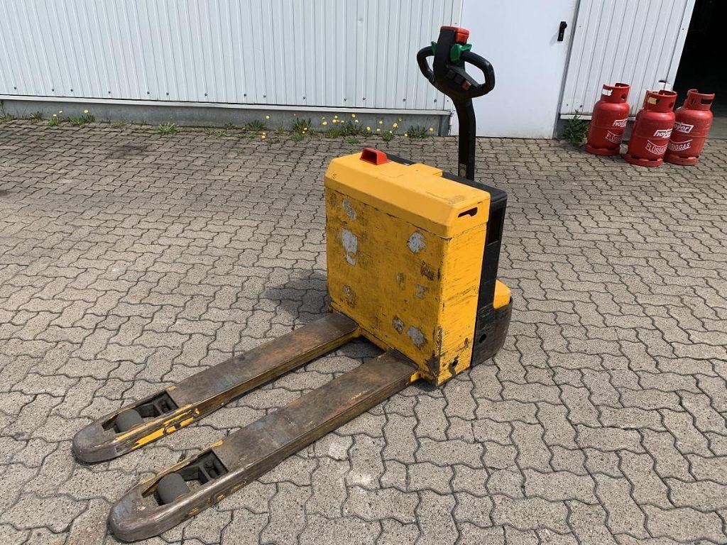 Jungheinrich-ELE 16 / 9.620 Std.-Electric Pallet Truck-www.mengel-gabelstapler.com