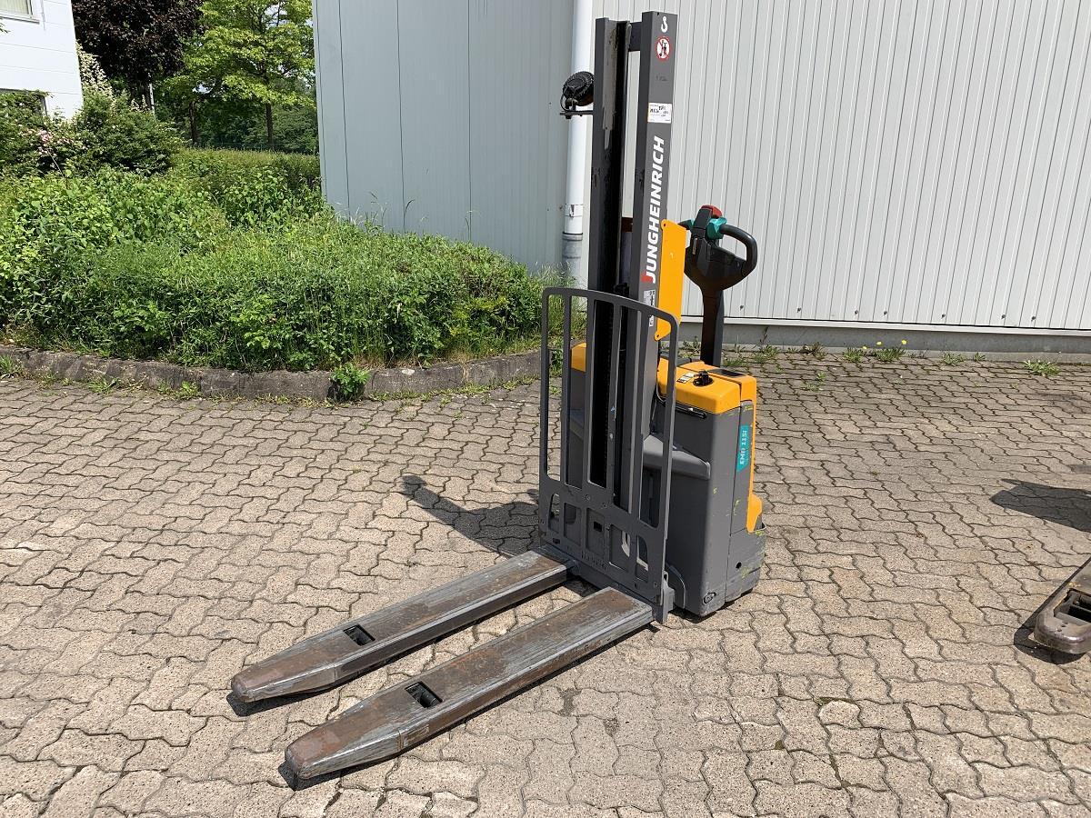 Jungheinrich-EMD 115i / 3.420 Std.-High Lift stacker-www.mengel-gabelstapler.com