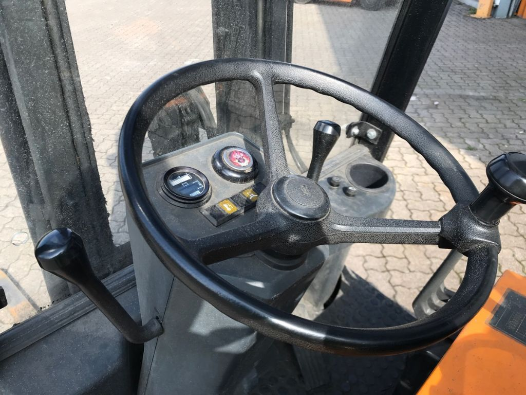 Still-R 50.15-Elektro 3 Rad-Stapler-www.mengel-gabelstapler.de