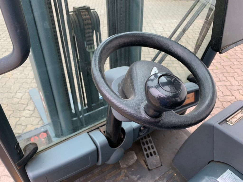 Jungheinrich-EFG 220 / 3.670 Std.-Electric 3-wheel forklift-www.mengel-gabelstapler.com