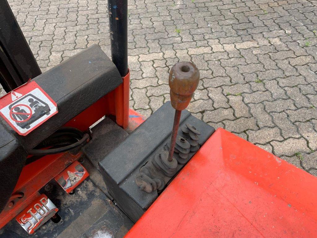 Linde-E 15 S-Elektro 3 Rad-Stapler-www.mengel-gabelstapler.de