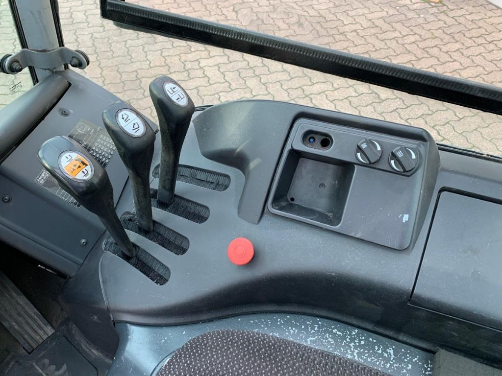 Still-RX 20-16 P / 2.590 Std.-Electric 4-wheel forklift-www.mengel-gabelstapler.com