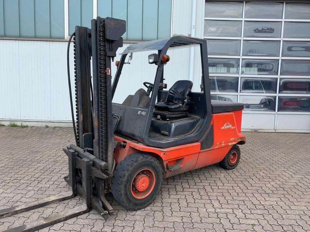 Linde-E 48 / 1.970 Std.-Electric 4-wheel forklift-www.mengel-gabelstapler.com