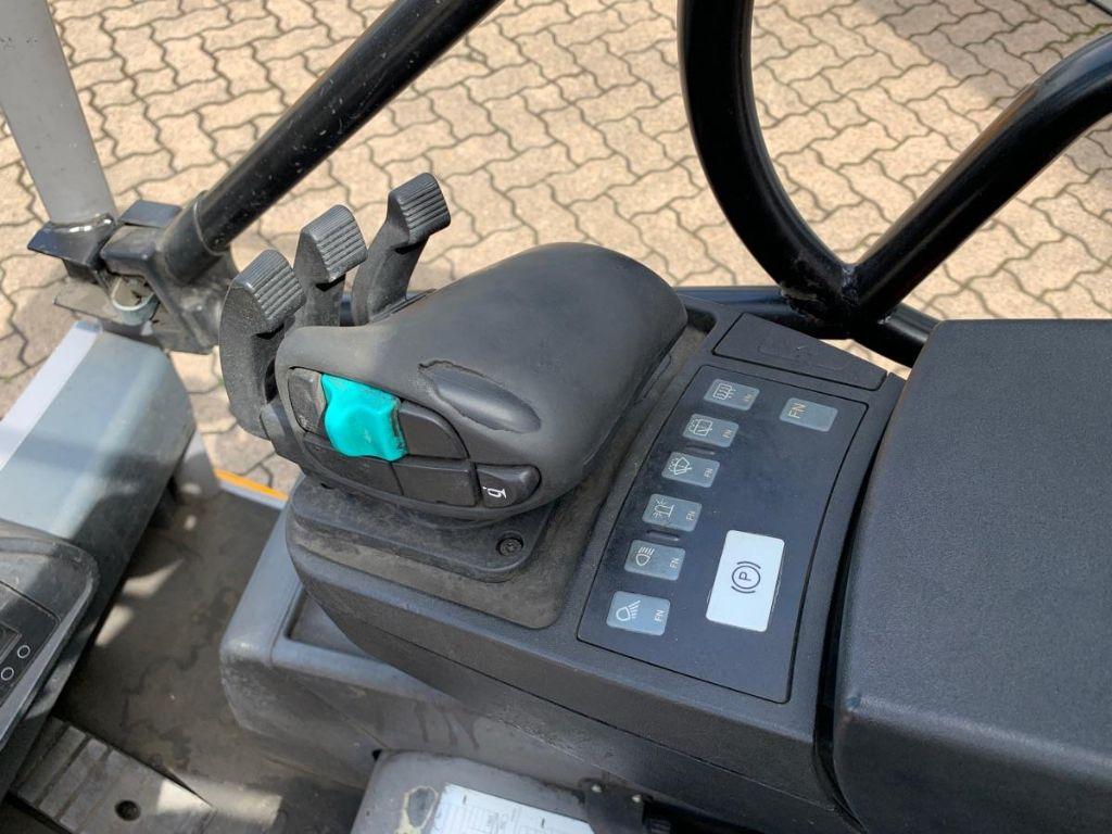 Jungheinrich-EFG 216k / 10.310 Std.-Electric 3-wheel forklift-www.mengel-gabelstapler.com