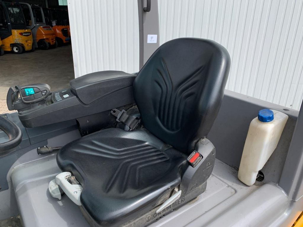 Jungheinrich EFG S30 Electric 4-wheel forklift www.mengel-gabelstapler.de