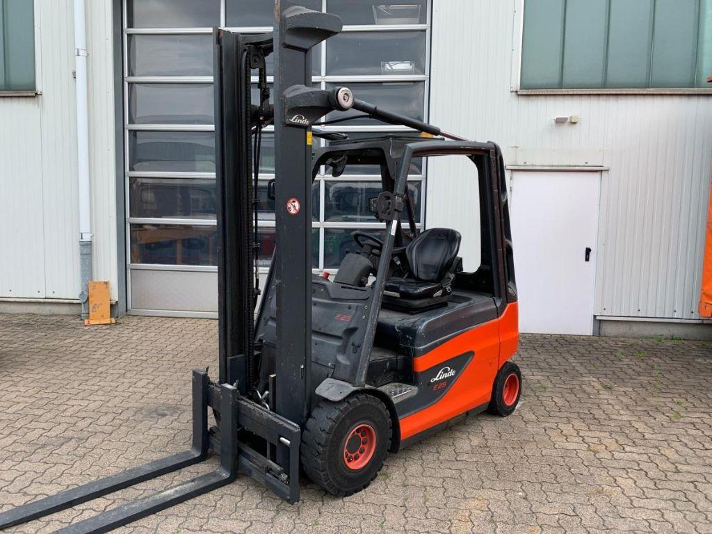 Linde E 25-01 Electric 4-wheel forklift www.mengel-gabelstapler.de