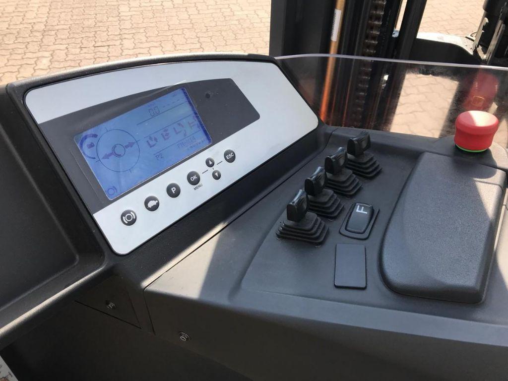 Still-FM-X 14-Schubmaststapler-www.mengel-gabelstapler.de