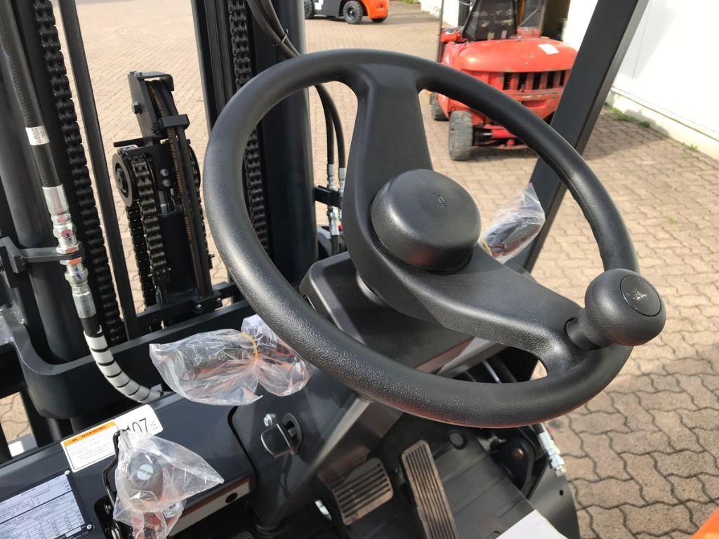Doosan-D 30 GX-Plus-Dieselstapler-www.mengel-gabelstapler.de