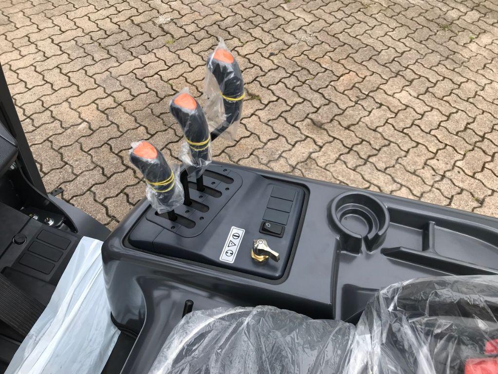 Doosan-D 18 S-5-Dieselstapler-www.mengel-gabelstapler.de
