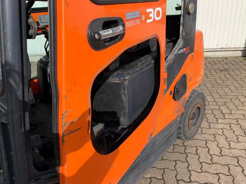 Doosan-D 30 S-5 / 8.090 Std.-Dieselstapler-www.mengel-gabelstapler.de