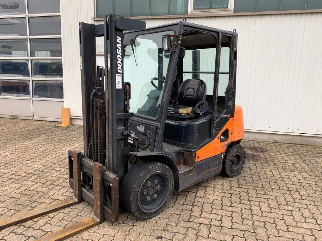 Doosan-D 30 S-5 PLUS-Diesel Forklift-www.mengel-gabelstapler.com