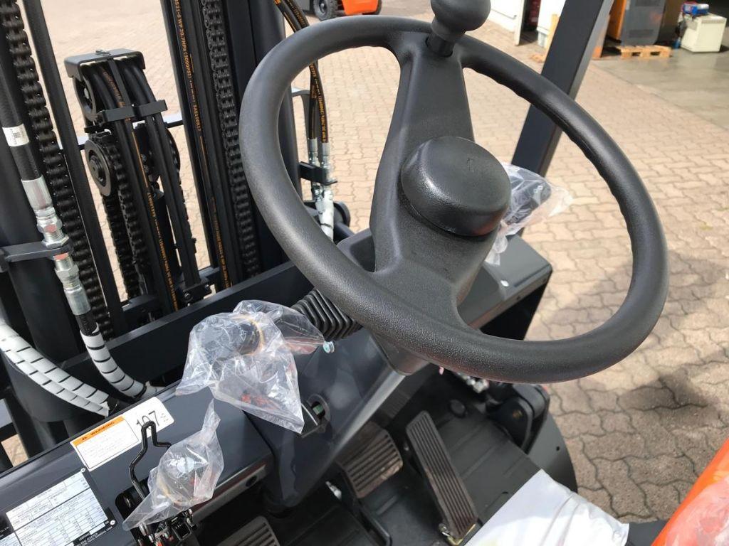 Doosan-D 30 GX Plus-Diesel Forklift-www.mengel-gabelstapler.com